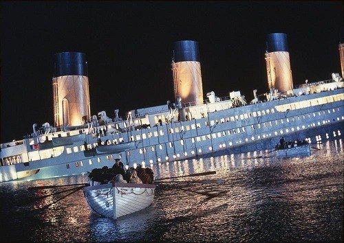 Titanic scena del naufragio