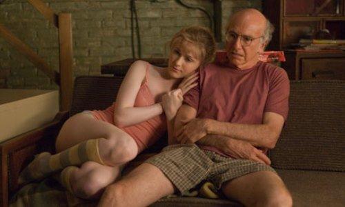 Boris Yelnikoff (Larry David)e Melode st. ann Celestine (Ewan Rachel Wood)in una scena del film.