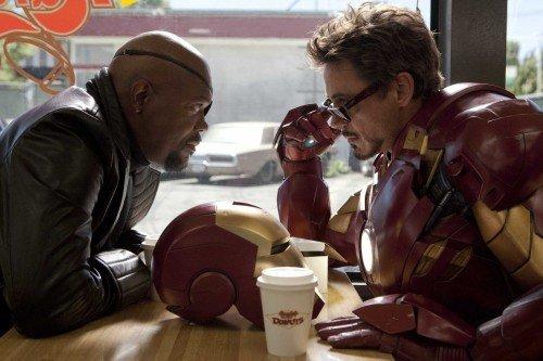 "Samule L. Jackson e Robert Downey Jr nei panni di Nick Fury e Iron Man in ""Iron Man 2""."