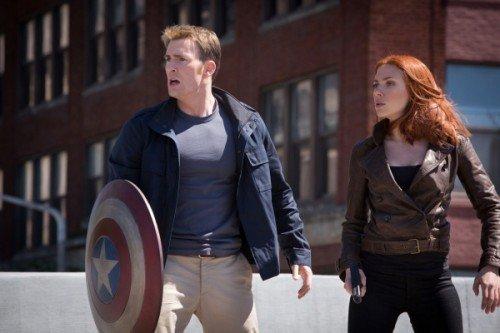 """Chris Evans e Scarlett Johansson in una scena di """"Captain America: The Winter Soldier."""""""
