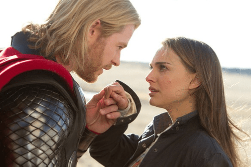 "Chris Hemsworth e Natalie Portman in una scena di ""Thor""."