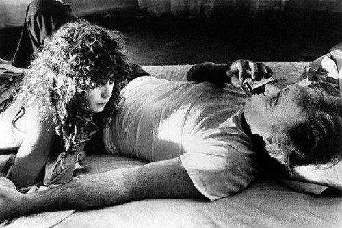Marlon Brando e Maria Schneider in una scena del film.