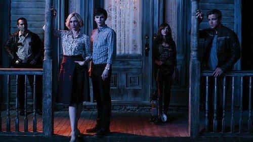 Il cast di Bates Motel nella terza stagione.