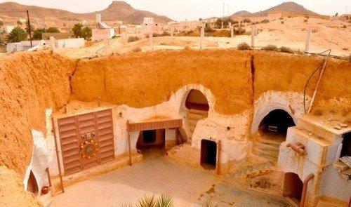 star wars: itinerario in 10 tappe tra le location di guerre stellari - Porta Di Sicurezza Con La Scena Del Deserto