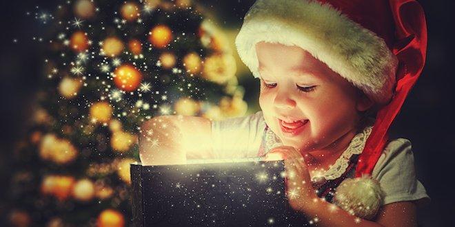 Bambini Che Scartano I Regali Di Natale.Regali Di Natale I Doni Piu Belli Che Si Scartano Nei Film