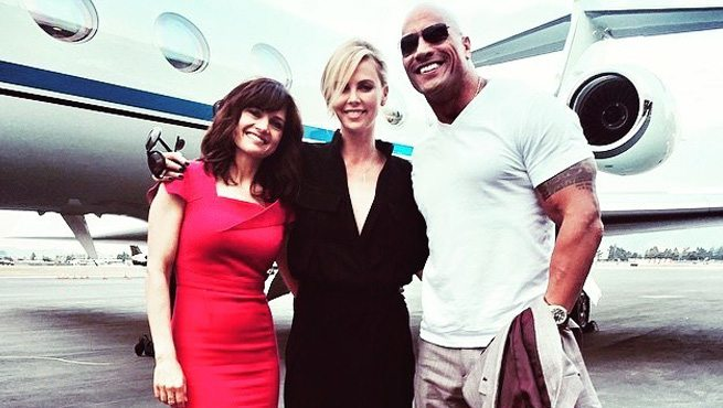 the rock d il benvenuto a charlize theron nel cast di fast furious 8. Black Bedroom Furniture Sets. Home Design Ideas