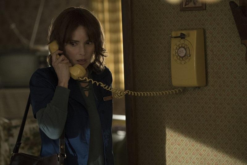 Stranger Things: recensione della serie con Winona Ryder
