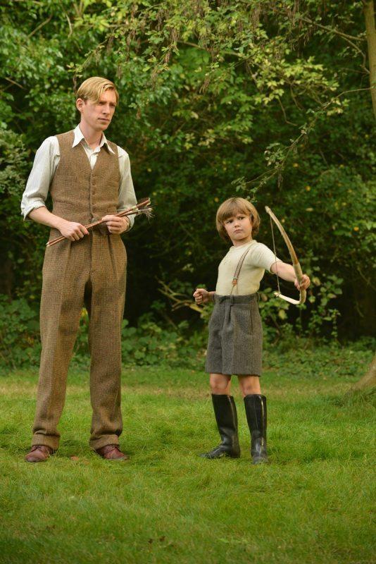 Alexander Milne: Margot Robbie nelle foto dal set del biopic
