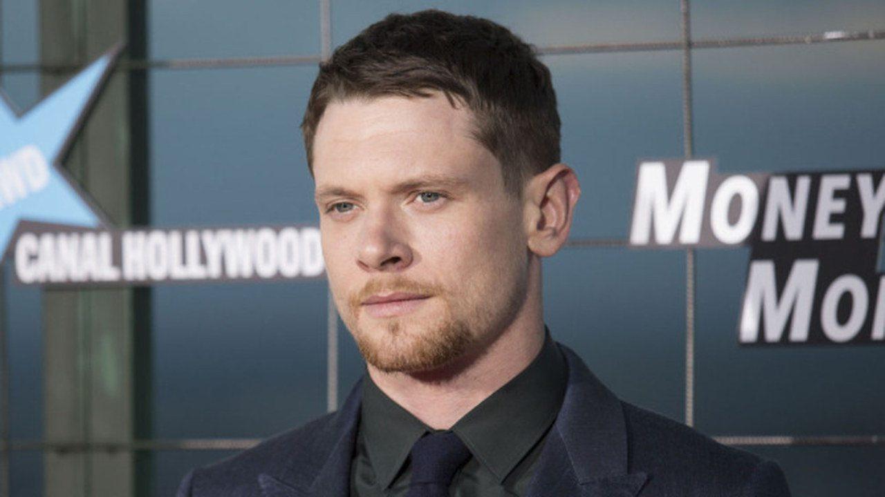 Jack O'Connell sarà Alexander McQueen nel biopic diretto da Andrew Haigh