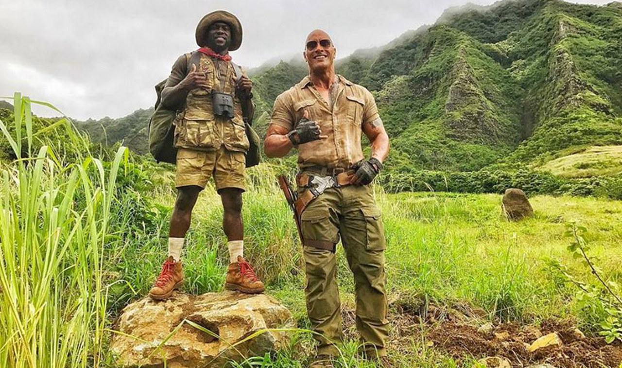Continua la produzione del sequel di Jumanji e Dwayne Johnson non perde occasione per mostrarci le evoluzione sul set, postando un video con Kevin Hart, che potete vedere di seguito.