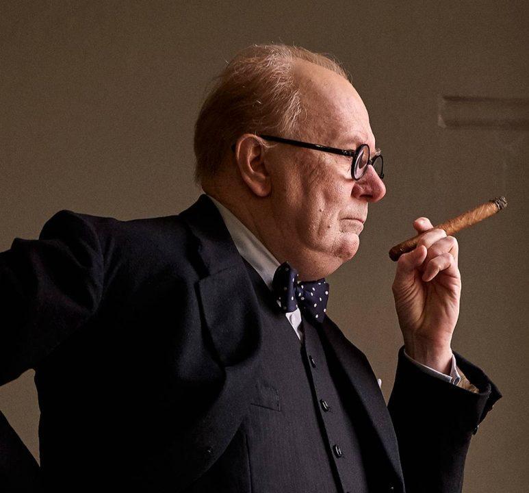 Gary Oldman è Winston Churchill nella prima foto di Darkest Hour
