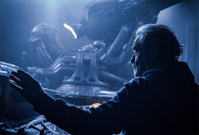 Alien |  Covenant – Ridley Scott in una nuova foto dal set per il suo compleanno