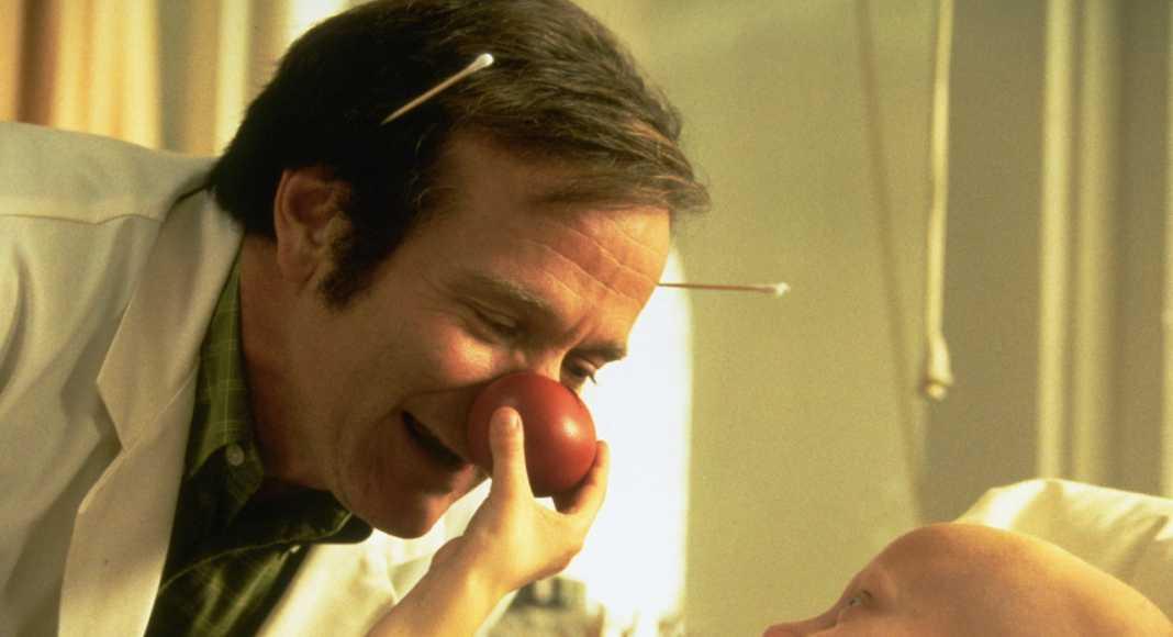 Patch Adams: frasi e citazioni, le più emozionanti tratte dal film con Robin Williams
