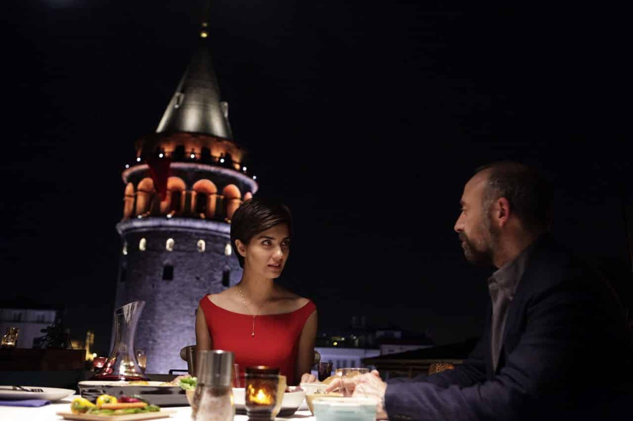 Rosso Istanbul: recensione del film di Ferzan Ozpetek