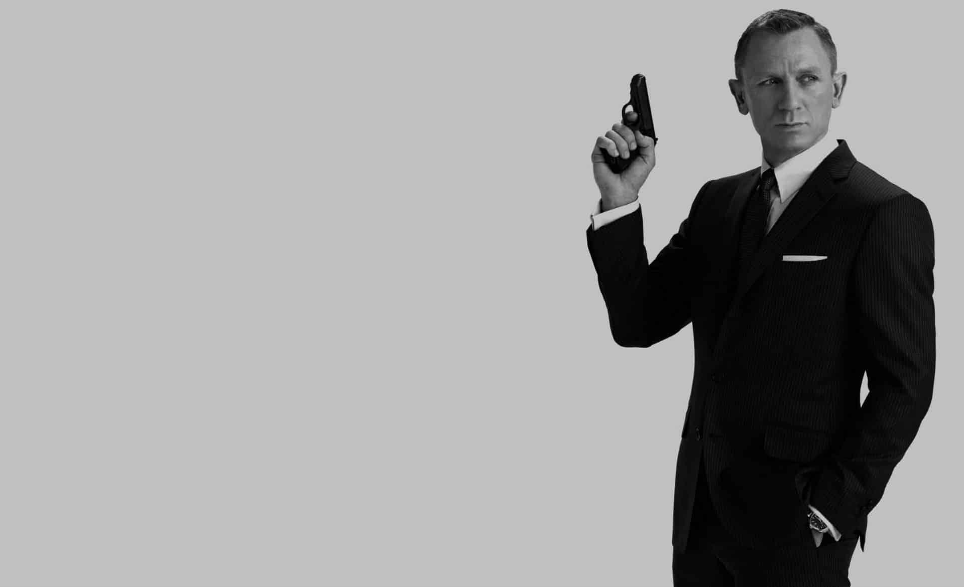Bond 25: telecamera nascosta nel bagno delle donne, un arresto sul set