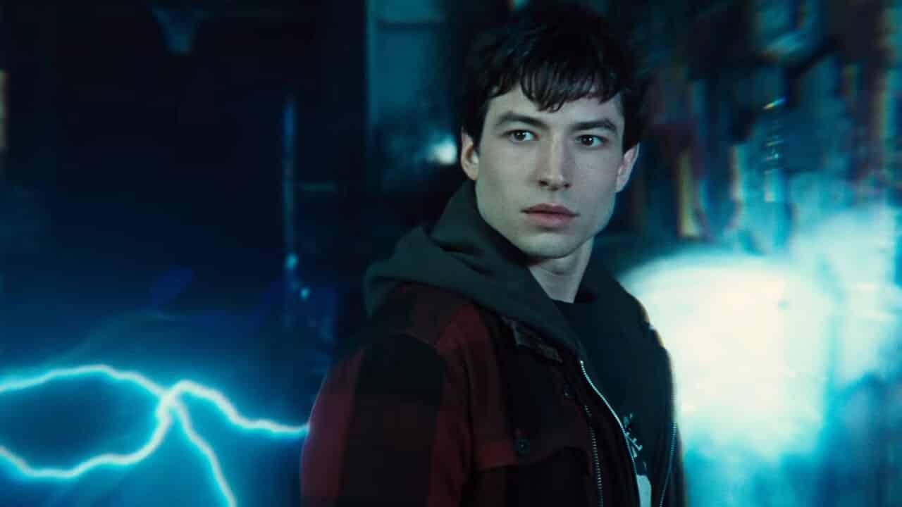 Barry Allen nel suo covo nella nuova foto di Justice League