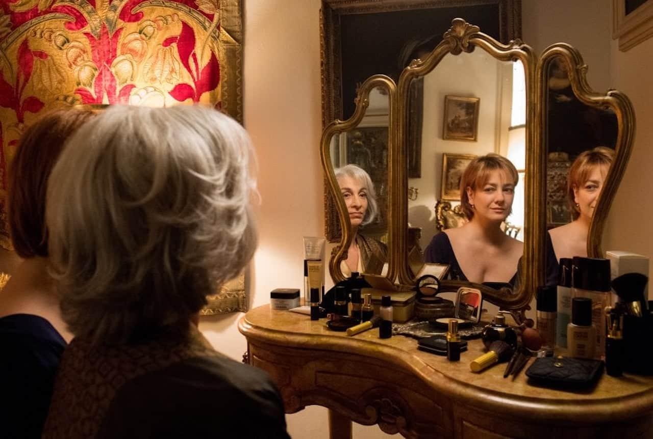 Napoli velata significato e spiegazione del film di - Le finestre di fronte ...