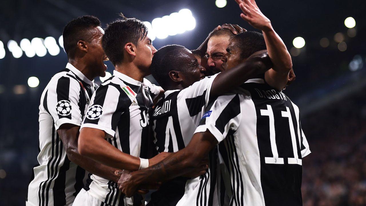 Immagini Natalizie Juve.First Team Juventus Recensione Dei Primi Episodi