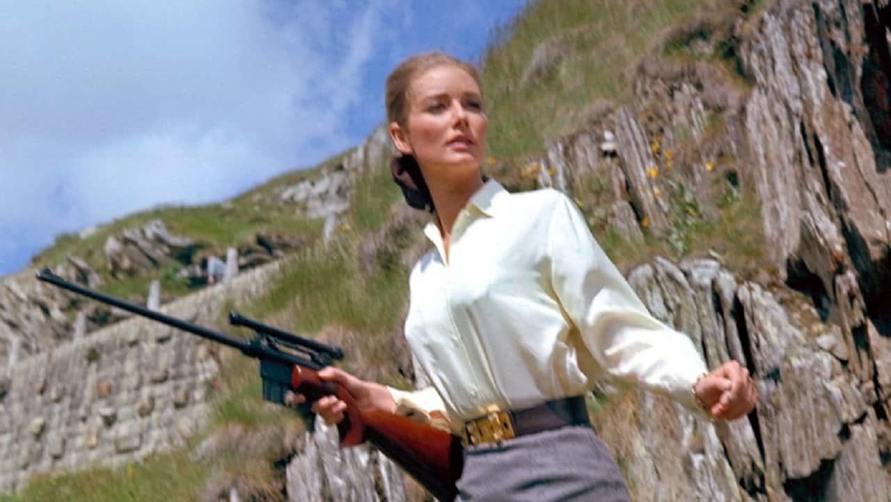 James bond goldfinger girl-4858
