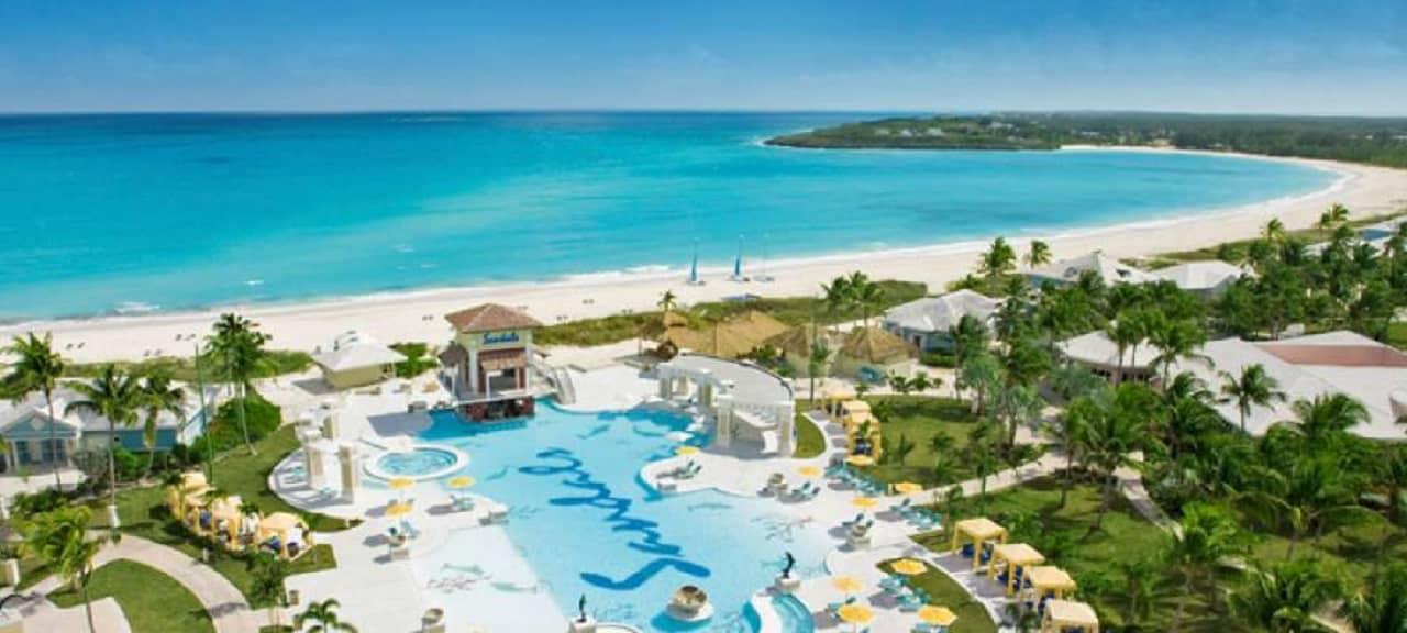 Matrimonio alle Bahamas - Cinematographe.it