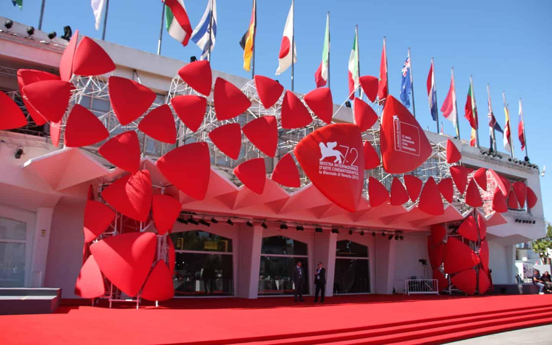 Biennale rinvia Teatro e Danza, conferma Mostra Cinema
