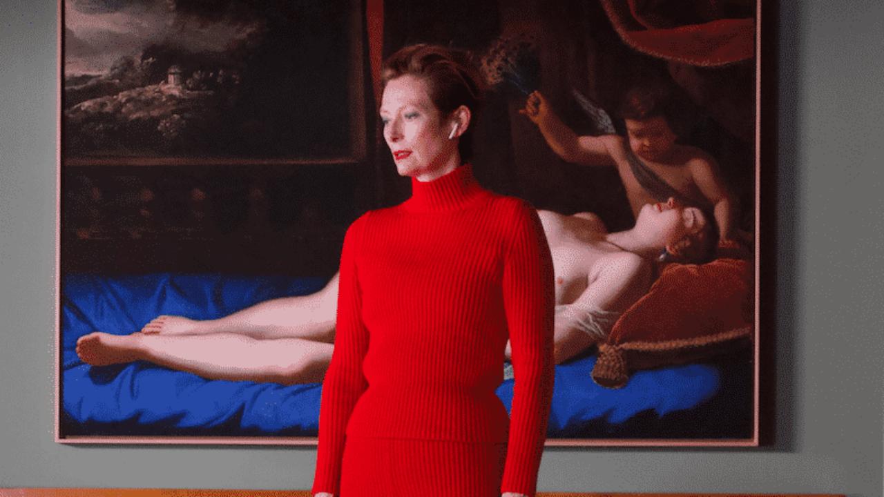 La Voce Umana: Tilda Swinton nella prima foto del film di Almodóvar