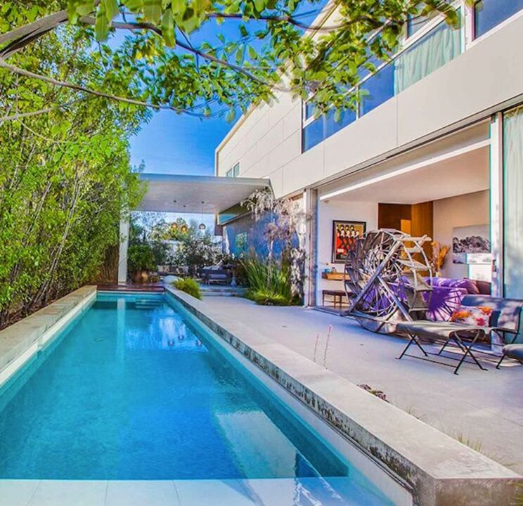 Piscina casa Emilia Clarke a Venice Beach