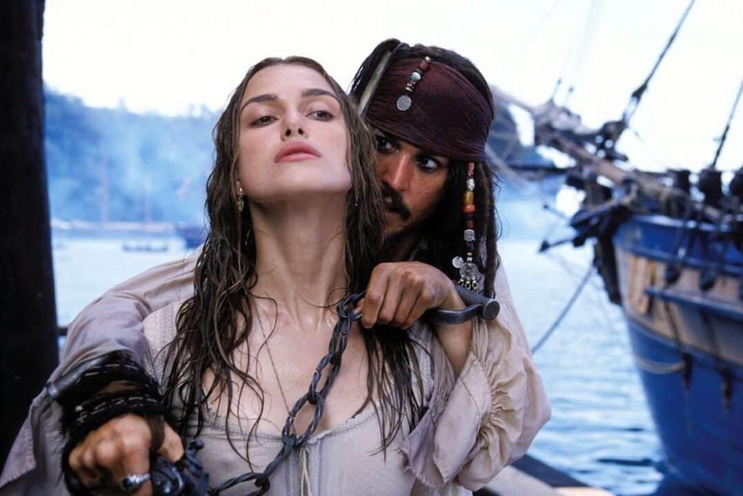 Keira Knightley e Johnny Depp in I Pirati dei Caraibi