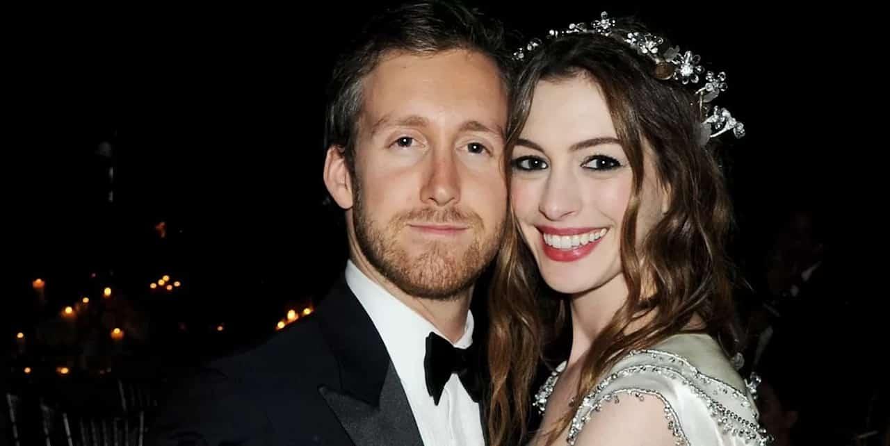 Anne Hathaway con il compagno Adam Shulman