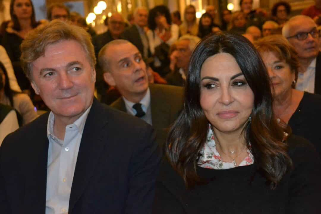 Sabrina Ferilli ad un evento con il marito