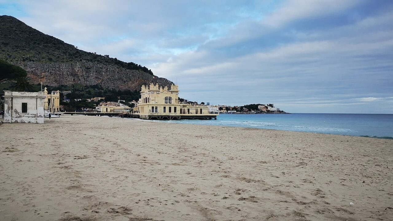 Mondello, Sulla stessa onda, Cinematographe.it
